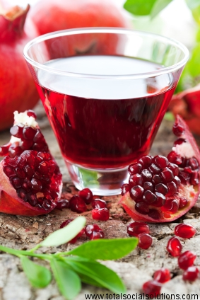 fresh ripe pomegranate and juice in the glass Image credits: https://www.flickr.com/photos/79063871@N03/6945726418/sizes/o/