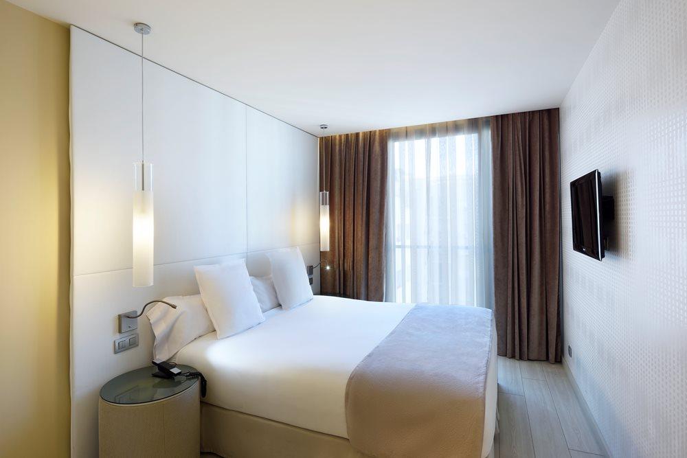 Hotel Grums Barcelona  Rservez en ligne
