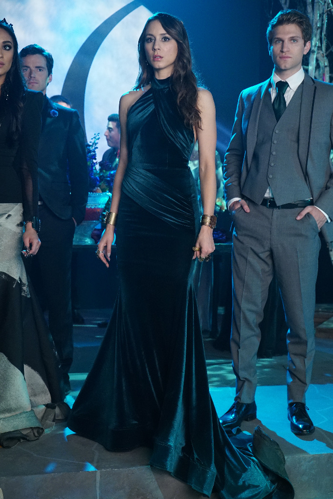 Spencer in Her Prom Dress on Pretty Little Liars Season 6, Episode 9