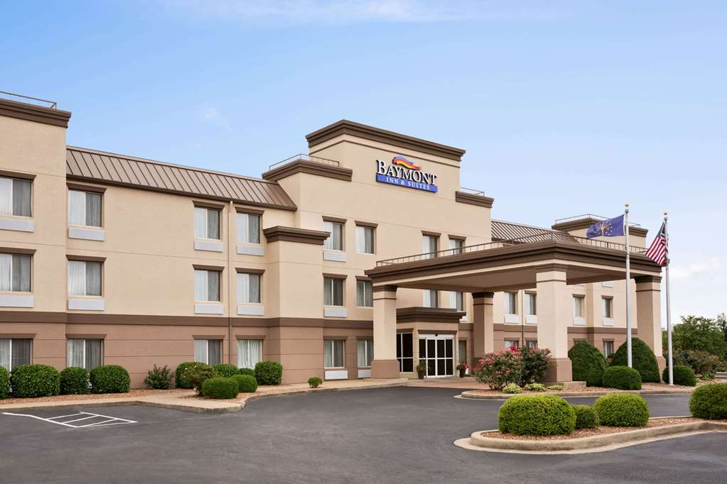 Book Baymont By Wyndham Evansville East With Tajawal Book