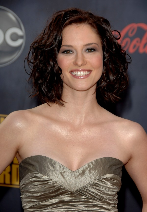 Grey Anatomy Star Chyler Leigh Years