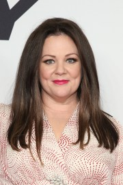 melissa mccarthy shows weight loss