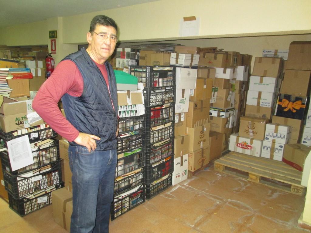 La ONG Azacán envía 20.000 libros a diez centros sociales de España