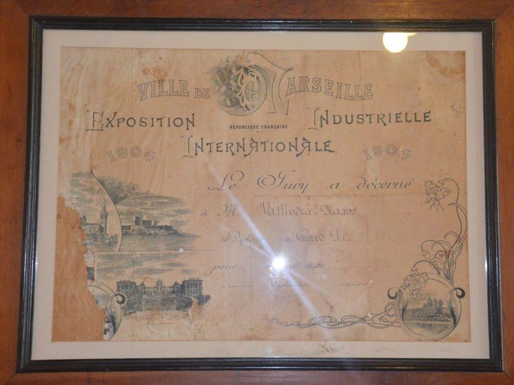 Distillerie de Vallindras. Reconnue par Marseille.