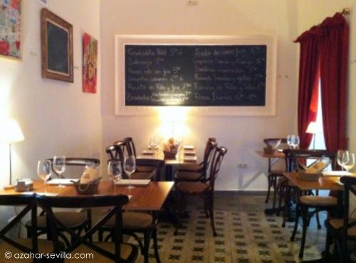petit comite dining 1