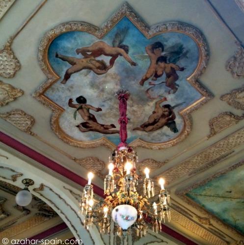 cafe royalty chandelier