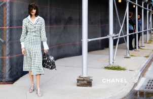 chanel-spring-summer-2016-ready-to-wear-campaign-03