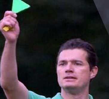 البطاقة الخضراء، ملاعب إيطاليا