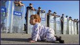 الصورة بعدسة AFP