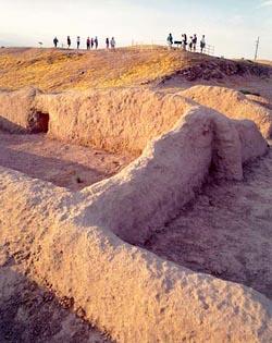 Pueblo Grande platform mound, northwest corner, compound in foreground Courtesy of Pueblo Grande Museum, City of Phoenix