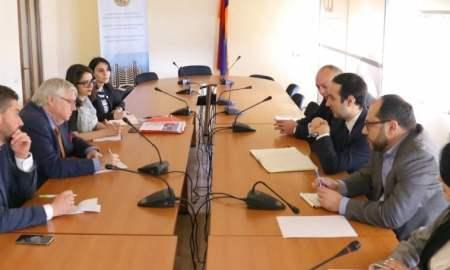 Ավագ Ավանեսյանը հանդիպել է Միջազգային հանրապետական ինստիտուտի ներկայացուցիչների հետ