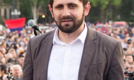 Սուրեն Պապիկյանը ներկա կգտնվի Հունաստան-Հայաստան ֆուտբոլային հանդիպմանը