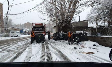 Աղ ու ավազով ճանապարհները մշակելուց հետո մեքենաները մաքրում են փողոցների ձյունը․ Քաղաքապետարան (ՏԵՍԱՆՅՈւԹ)
