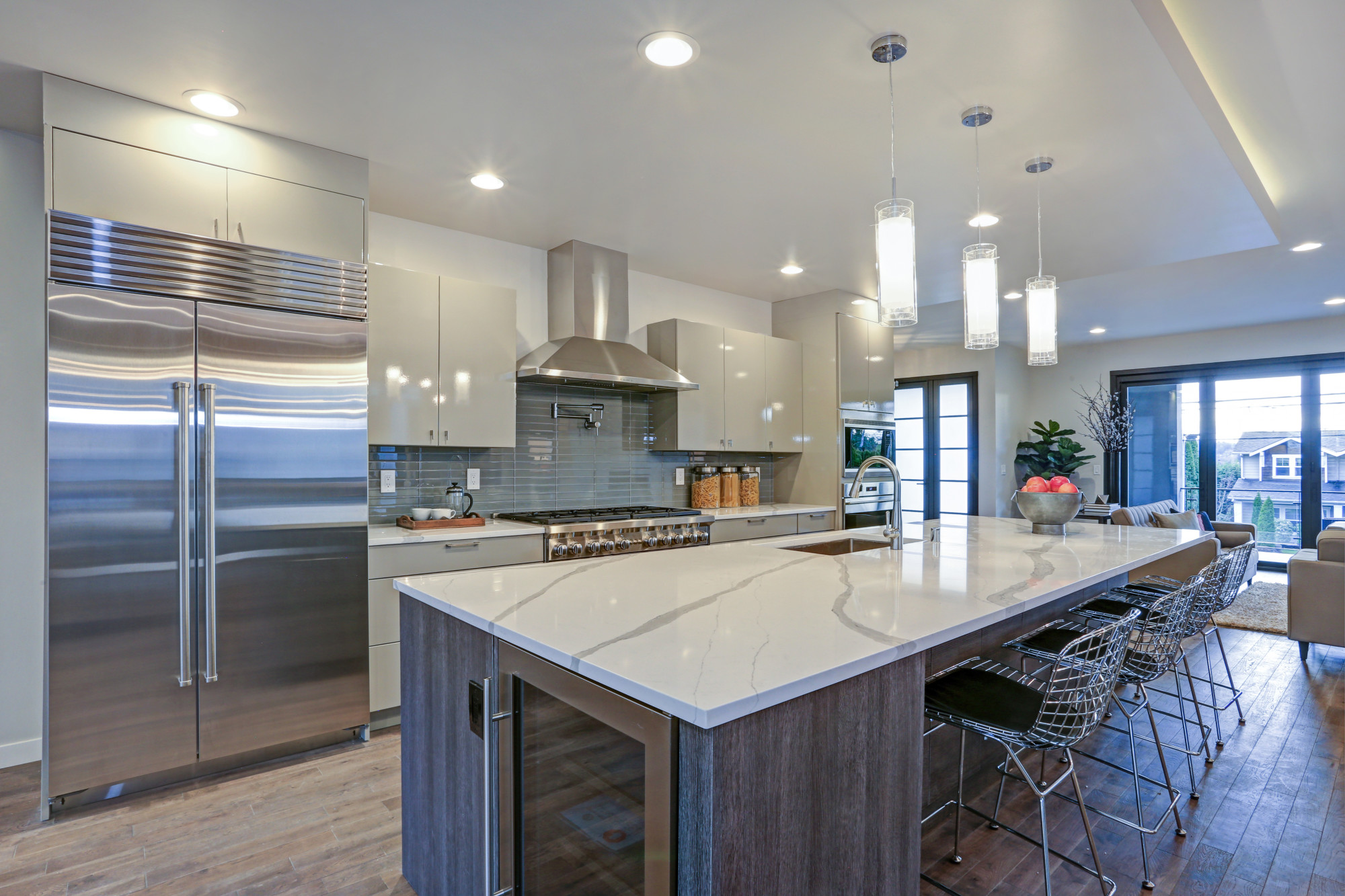 How To Decorate Large And Small Kitchens Efficiently Az Big Media
