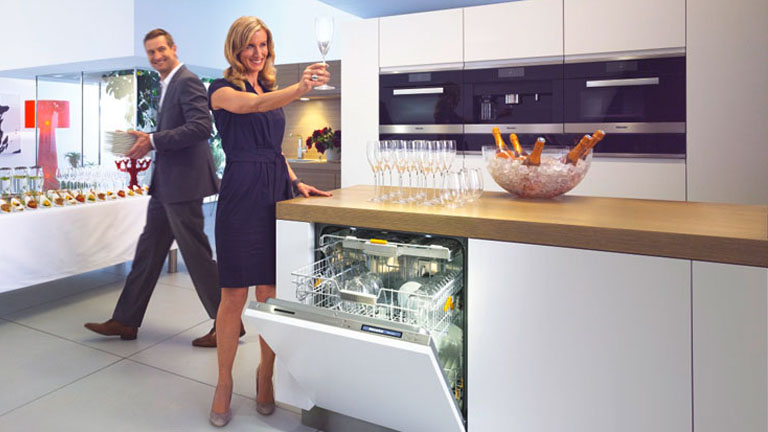 kitchen dishwashers renovating buying guide harvey norman australia consider the following when shopping for a dishwasher