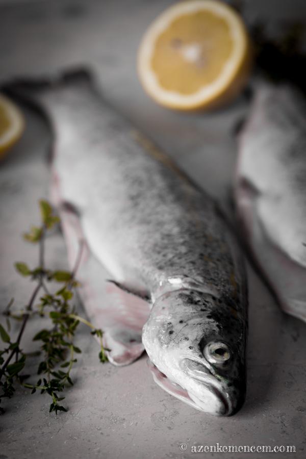 Pisztráng - Trout - nyersen , kakukkfűvel és citrommal