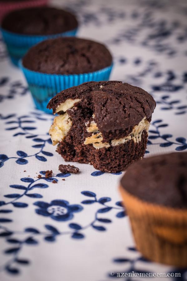 Csokis krémsajtos muffin - két réteg között a krémsajt