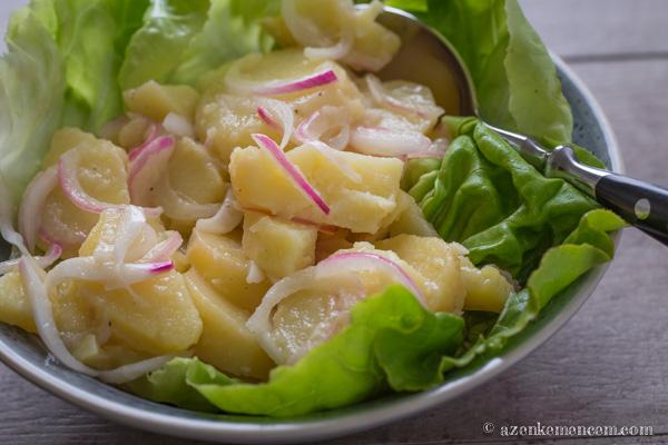Krumplisaláta a wiener schnitzel hagyományos körete