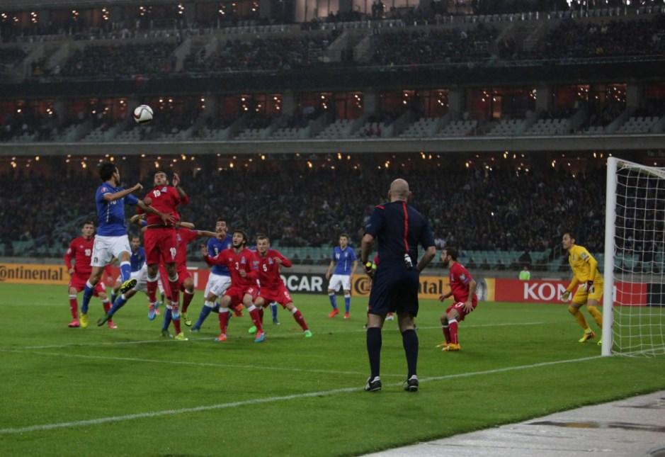 """Futbol üzrə İtaliya millisi """"Avro-2016""""ya vəsiqəni Bakıda rəsmiləşdirib"""