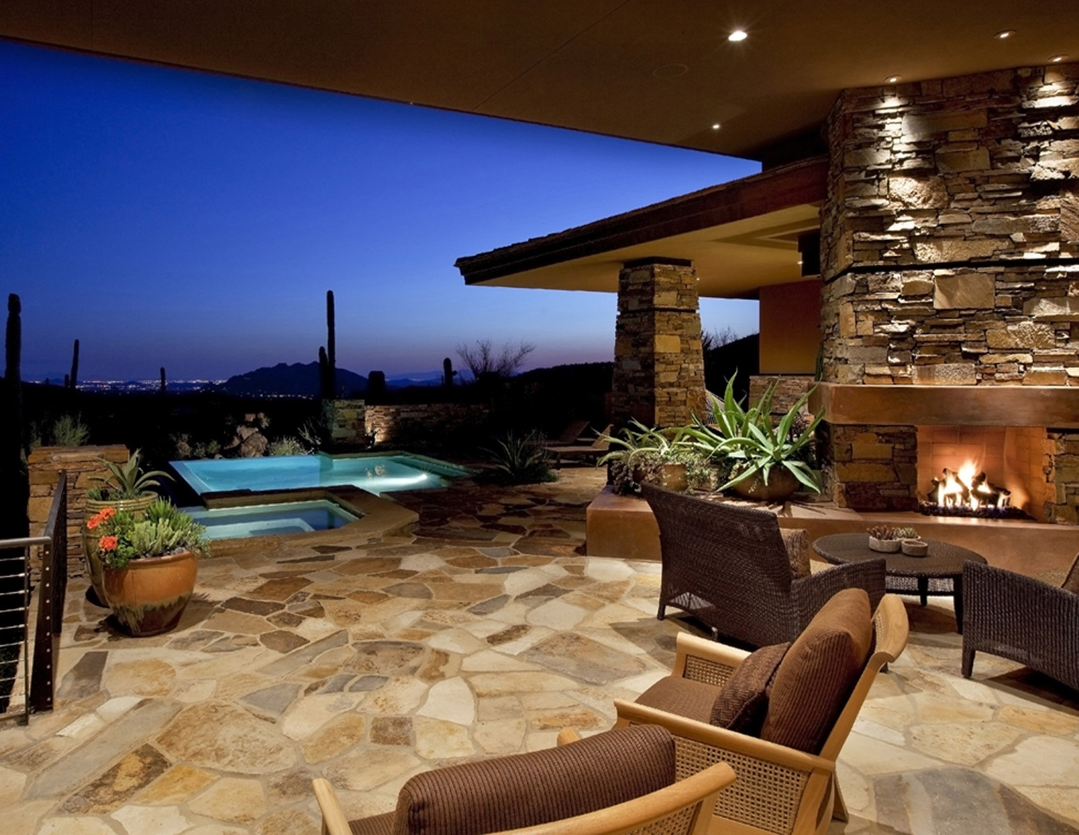 Houzz Expands Operations into Arizona Office of the