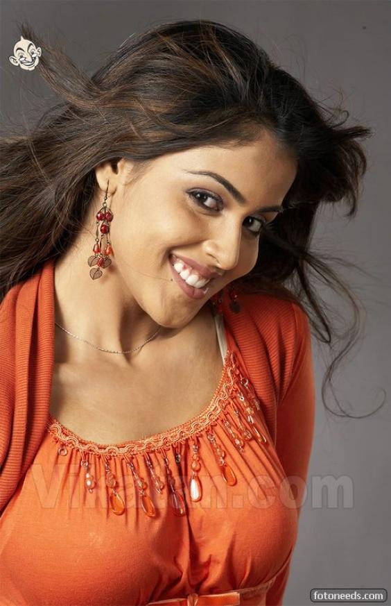 Bhavana Cute Hd Wallpapers Genelia Azhaki Dream Girls