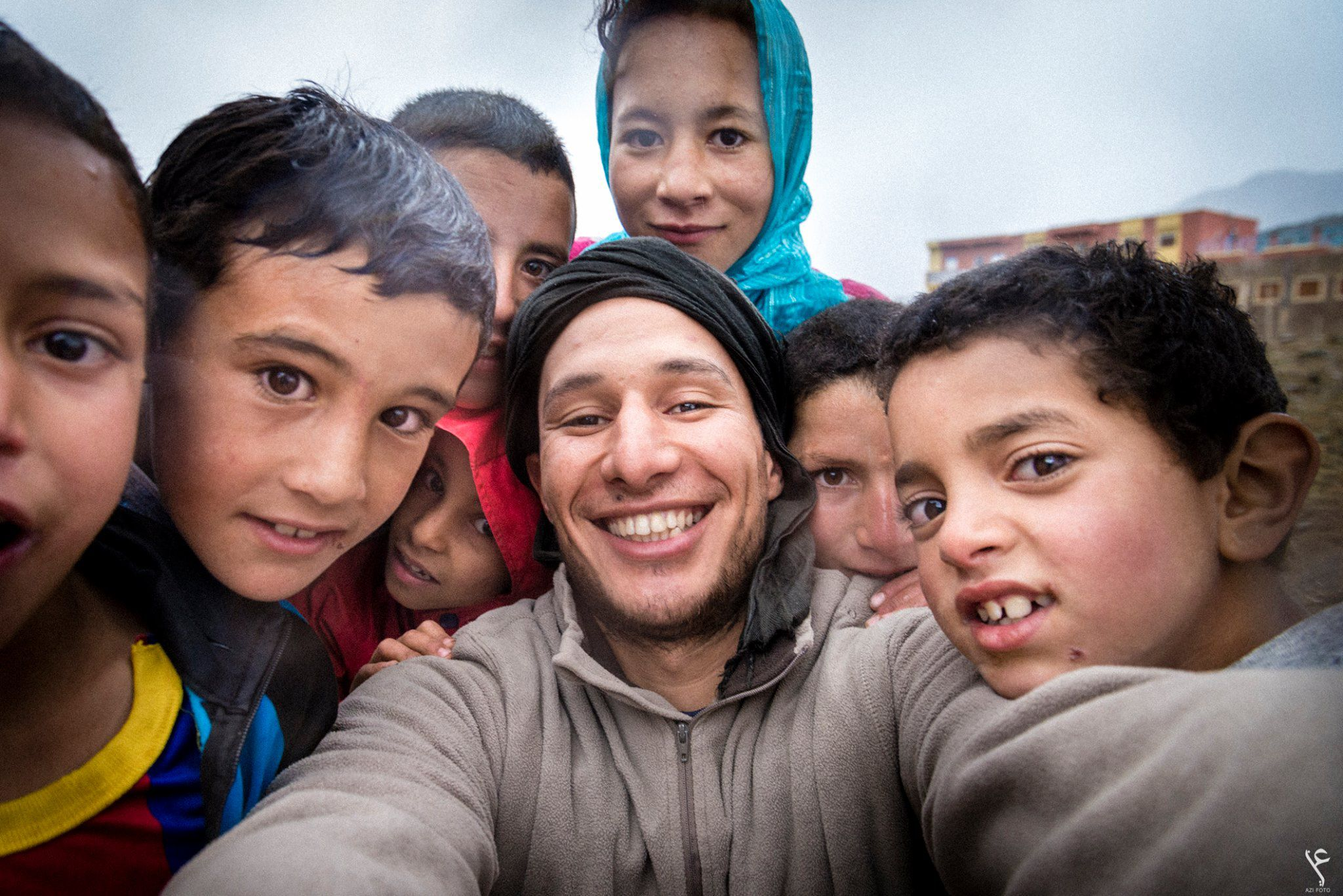 Abdellah Azizi with kids from Hight Atals mountins