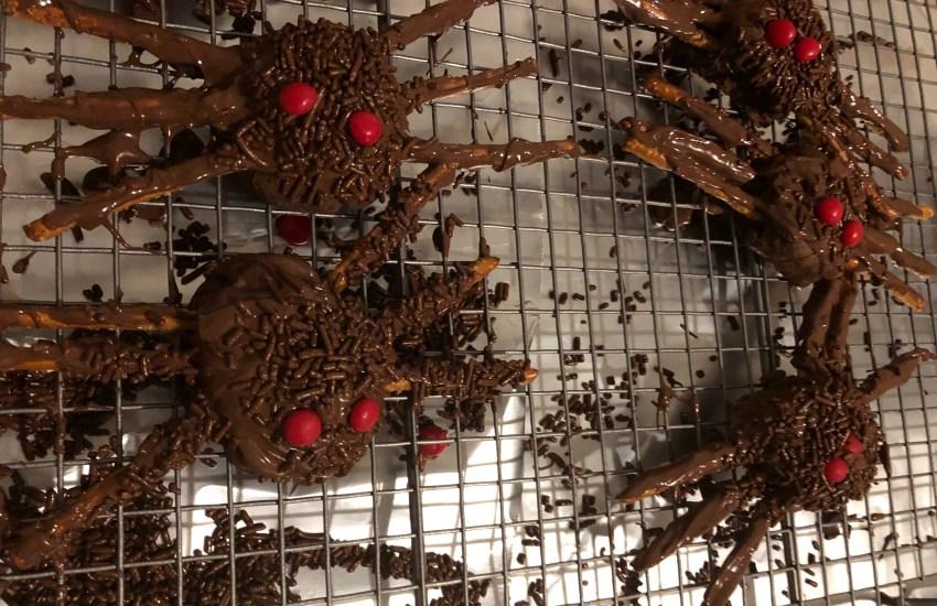 spider tarantula cookies red eyes