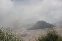 suasana pagi hari, kabut udah mulai nutupin pemandangan