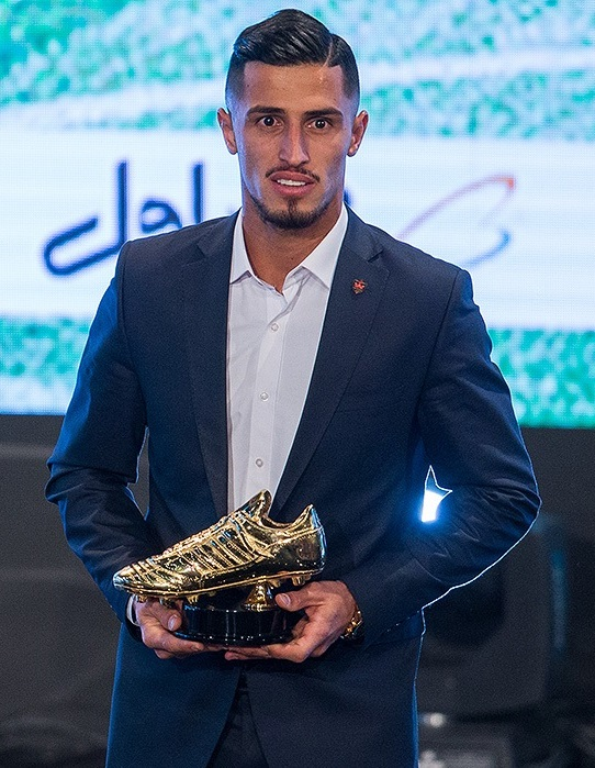 Ali_Alipour_at_IFF's_annual_awards_ceremony