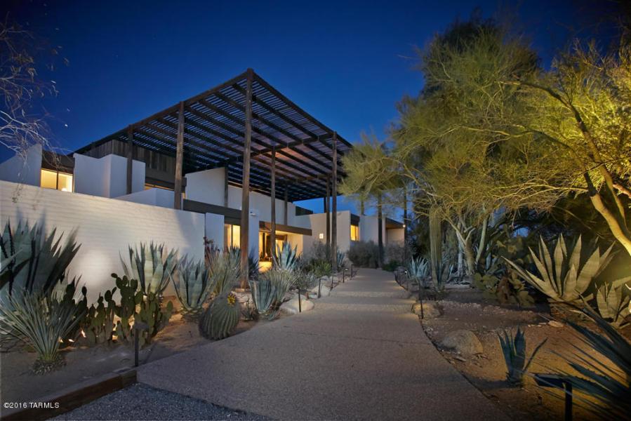 Inside The Ramada House 26M design by Tucson architect