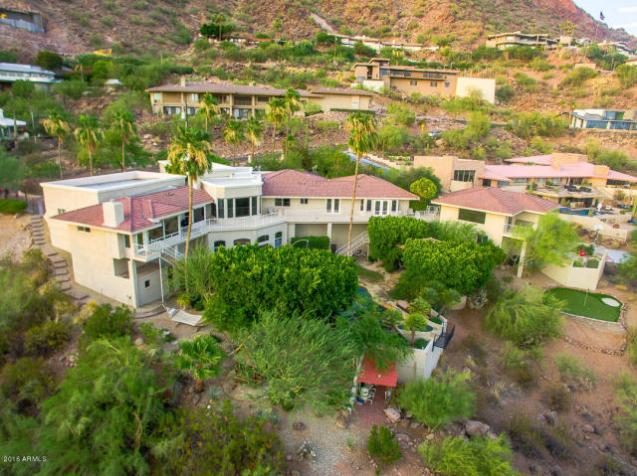 Phoenix house sitting on the South slope of Camelback Mountain 6