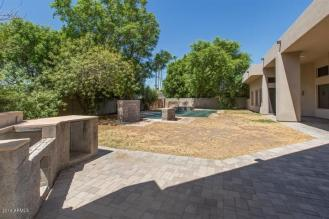 Some love and TLC will get this Scottsdale home poppin in the 85281 1