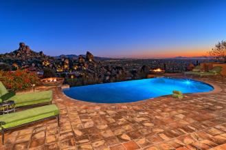 carefree-az-home-built-into-mountains-boulders-1