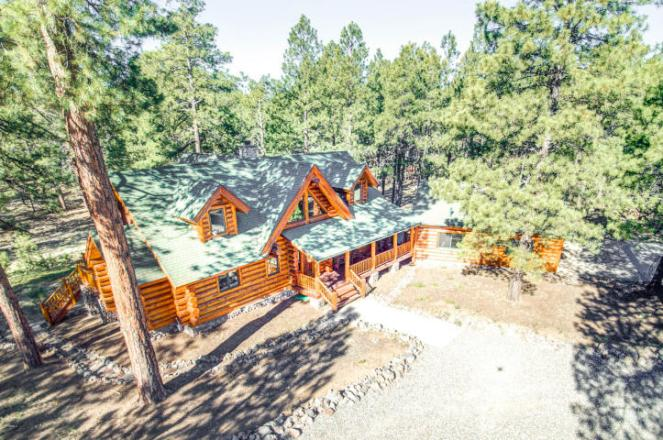 Flagstaff's Mountain Masterpiece, Stunning one-of-a-kid log home 8