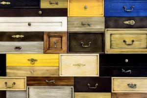 Many diferent drawers