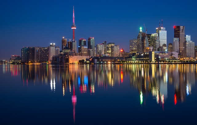 Experience Ontario skyline at night by using a complete guide to moving