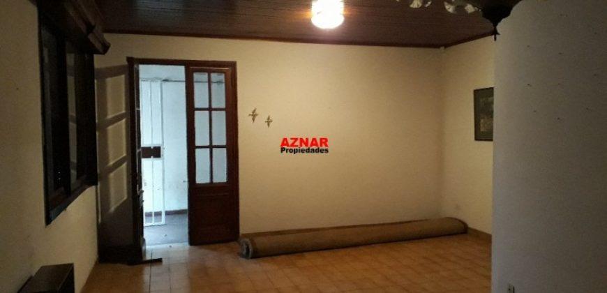 Casa en venta en calle Belgrano
