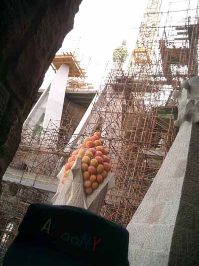 When I came over here, I knew precisely one phrase in Spanish. un medio kilo de naranjas por favor - half  a kilo of oranges. The only explanation I can think of for this is that when asked how he wanted to top these towers, Gaudi suddenly dropped to my vocabulary