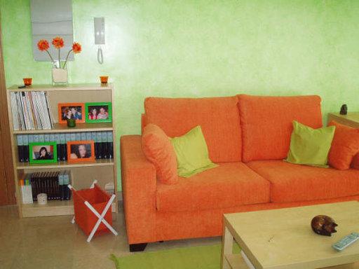 Saln en Naranja y Gris  Decorar tu casa es facilisimocom