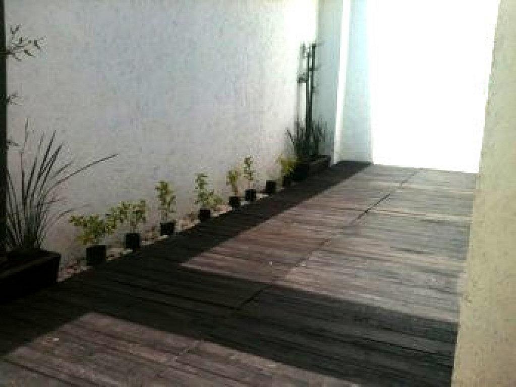 Cmo poner suelo de madera en el jardn o terraza  Bricolaje