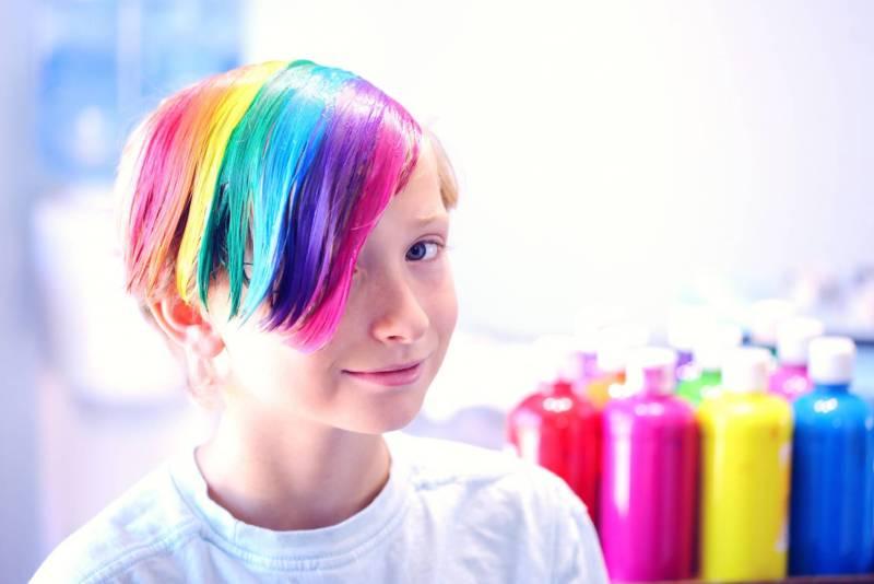 kid with rainbow hair