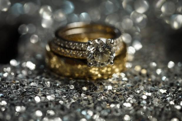 Hannah & Charlie: Lone Oak Barn Wedding in Round Rock - Austin Wedding Photographers