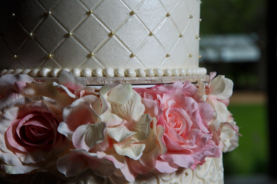 Three Exceptional DIY Wedding Cakes We Love