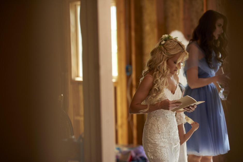 Bride practicing vows before the wedding.