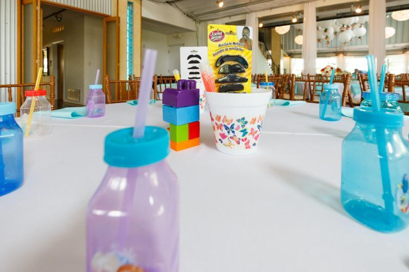 Kids table at TerrAdorna Wedding