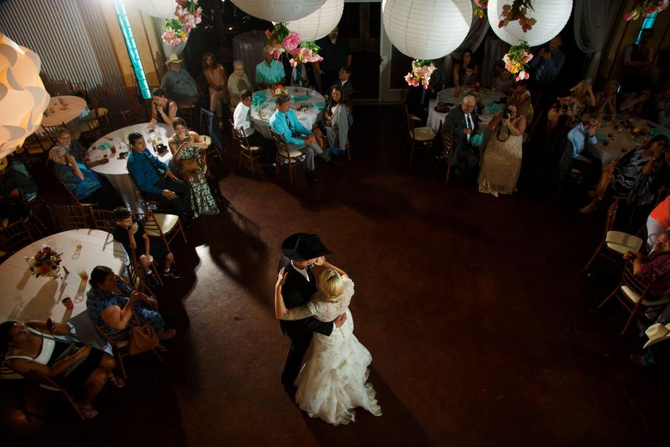 Wes and Cheyenne First Dance at TerrAdorna in Manor, Tx