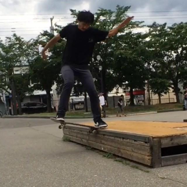 スケート,スケートボード,skateboarding, nose slide,ノーズズライド