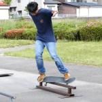 【スケートボード】フィーブルグラインドを練習中!