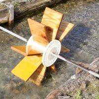 DIY,自作,水車,waterwheel,water wheel,わさび田,わさび,wasabi,water,river,azumino,安曇野,川,コンパネ,水の流れ,水