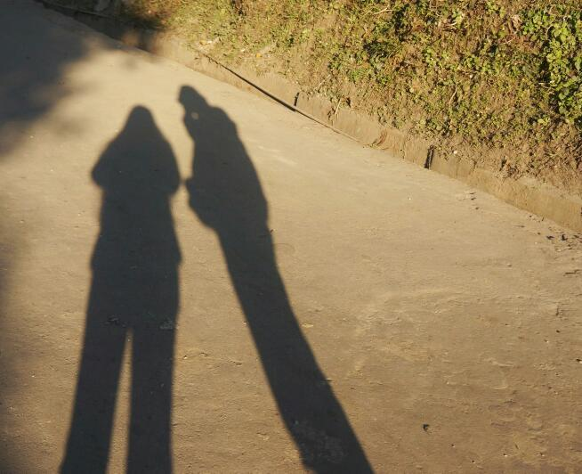 honeymoon in Darjeeling darjeeling roads shadow
